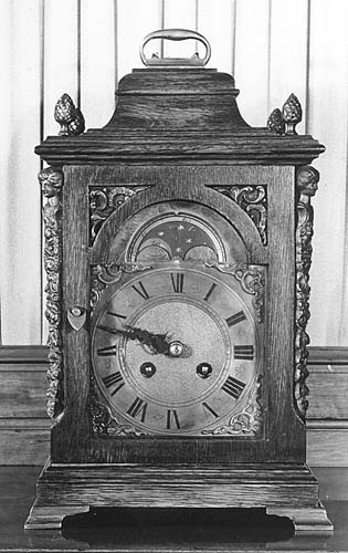 Table Clock After Old English Model In Oak Case With Gilt